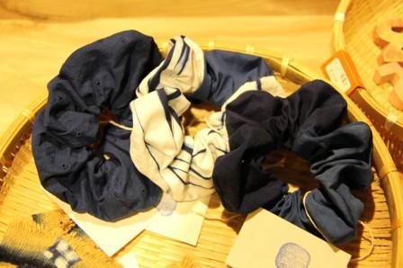 藍染のシュシュ 和歌山県 龍神村 藍染計良